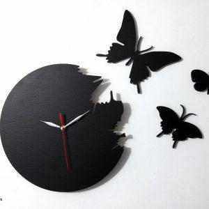 Ceas cu fluturi exteriori